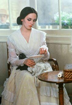 Isabelle Adjani in: Nosferatu - Phantom der Nacht (Nosferatu the Vampyre), Dir. Werner Herzog, 1979. Source