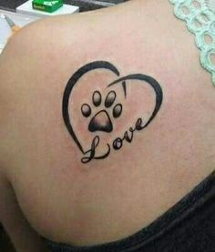 Heart Tattoos - Check the latest tattoo design ideas Kleine Tattoos 💉 Mini Tattoos, Dog Tattoos, Animal Tattoos, Body Art Tattoos, Small Tattoos, Heart Tattoos, Paw Print Tattoos, Tatoos, Family Tattoos