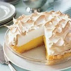 Browse our fast and easy dessert recipes while you plan your next holiday party and prepare delicious Lemon Meringue Pie at Woman's Day. Lemon Desserts, Lemon Recipes, Easy Desserts, Sweet Recipes, Baking Recipes, Delicious Desserts, Bread Recipes, Best Lemon Meringue Pie, Lemon Meringue Pie Recipe Condensed Milk