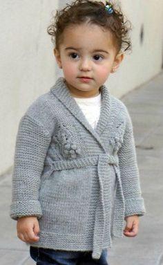 Серый кардиган для маленькой девочки