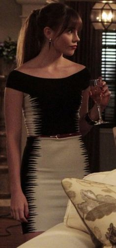Love Fashion on Revenge.......Charlotte's black and white spike pattern dress on Revenge