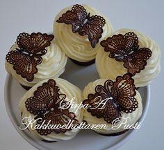 Kakkuvelhottaren Puoti Mini Cupcakes, Panna Cotta, Ethnic Recipes, Desserts, Food, Tailgate Desserts, Dulce De Leche, Deserts, Meals