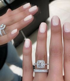 Here& my full guide to neutral nails including neutral nail colors! Neutral nails work for any season, but I& also broken down neutral nail colors by the time of year you& most likely to find them Trendy Nails, Cute Nails, Pretty Gel Nails, Cute Simple Nails, Neutral Nail Color, Nude Color, Neutral Gel Nails, Neutral Wedding Nails, Natural Color Nails