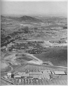 Ventura County Pics (Oxnard, Thousand Oaks, Camarillo: construction, living in, mall) - California (CA) California History, California Ca, Vintage California, Southern California, Ventura County California, Newbury Park, Simi Valley, San Fernando Valley, Real Estate Houses