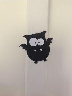 WAHNSINN!!!! Es ist so schön zu sehen, wie ihr alle die Fledermäusschen nachbastelt! Ich bin begeistert und nicht nur in schwarz hänge...