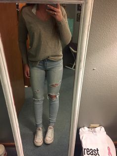 Sweater and converse shoes trendy outfits, cute outfits, fashion outfits, ripped jeans, Cute Outfits For School, Outfits For Teens, Trendy Outfits, Casual College Outfits, Emo Outfits, Classy Outfits, Chic Outfits, Winter Outfits, Summer Outfits