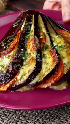 A must for ham fans! Slice the 2 halves of the eggplant lengthways. - A must for ham fans! Slice the 2 halves of the eggplant lengthways. A must for ham fans! Veggie Side Dishes, Vegetable Dishes, Vegetable Recipes, Gourmet Recipes, Vegetarian Recipes, Cooking Recipes, Vegan Eggplant Recipes, Gourmet Foods, Tasty Videos