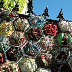Hexagon crazy quilt - so gorgeous! A closer look