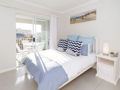 3 Coral Beach  - Beautifully furnished, this modern two-bedroom apartment is minutes from the beach and well-equipped, for the ideal getaway.Four guests are well accommodated in two double bedrooms, of which the main bedroom ... #weekendgetaways #bloubergstrand #southafrica