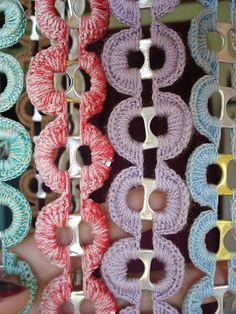 1 million+ Stunning Free Images to Use Anywhere Soda Tab Crafts, Can Tab Crafts, Bottle Cap Crafts, Pop Top Crafts, Diy And Crafts, Capsule Coca, Soda Can Tabs, Crochet Rings, Crochet Curtains