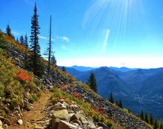 Hiking to Mason Lake: Spectacular Views and Fall Color