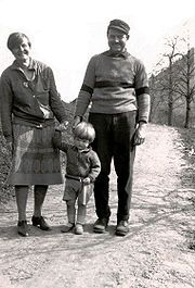 """Ernest with Hadley Richardson Hemingway and their son, John """"Bumby"""""""