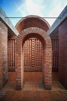 Image 7 of 24 from gallery of Red Brick Country Auditorium / Huazhong University of Science and Technology + ADAP Architects. Photograph by Gangyi Tan, Jinghao Feng Brick Cladding, Brickwork, Brick Design, Facade Design, Design Design, Art Shed, Masonry Work, Brick Construction, Brick Architecture