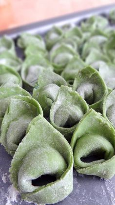 Spinach tortellinis, ricotta and gorgonzola sauce - Trend Whiskey Drinks 2019 Ricotta, Sauce Gorgonzola, Fresca Drinks, Pasta Recipes, Cooking Recipes, Pasta Maker, Homemade Pasta, Vegetarian Recipes, Good Food
