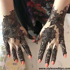 Latest Mehandi Designs That You Must Try On Your Best Friends Wedding Henna Art Designs, Mehndi Designs For Girls, Stylish Mehndi Designs, Mehndi Designs For Fingers, Unique Mehndi Designs, Mehndi Design Pictures, Latest Mehndi Designs, Beautiful Henna Designs, Mehndi Images