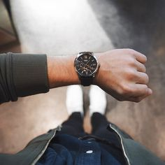 @scoutsixteen says he had basically zero self-control, when he stopped by the #fossilstyle event and bought himself a dope new watch ⌚️ #lookinggood