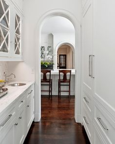 butler pantry...in my dream house I will have a butler's pantry :)