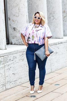 Bright colors and high-waisted jeans -- GabiFresh