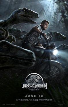 """Jurrassic World: O Mundo dos Dinossauros - Realmente fui sem nenhuma expectativa, e sabe o que aconteceu? Mais um filme que AMEI!!!  Chris Pratt com seus velociraptors, adorei ele como """"Alfa""""...kkkk magnífico!!!"""