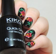 Quand Maroon 5 m'inspire... [Maroon 5 - Maps] - Floral nails - Tropical nails - Stamping - Hibiscus flowers - Nailart - Maps - Maroon 5