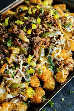 This Cheesesteak Totchos recipe combines the flavors of one of our favorite sandwiches with a pile of crispy tots. It's one awesome appetizer! It's the final week leading up to Super Bowl LII, and Mi Recipes Appetizers And Snacks, Best Appetizers, Savory Snacks, Totchos Recipe, Game Day Food, The Ranch, Beef Recipes, Recipies, Easy Recipes