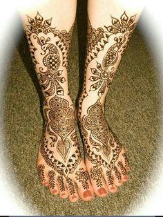 Pretty  henna / mehndi design