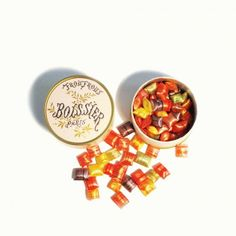 Boissier froufrous (French candies): The traditional packaging of this renowned French institution is as amazing as the look and taste of its froufrous!