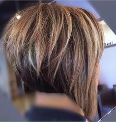 on insta - beautiful bob❤️ Pensez à are generally fameuse « tiny bathrobe noire Blonde Bob Haircut, Haircut And Color, Medium Hair Styles, Short Hair Styles, Hello Hair, Bobs For Thin Hair, Corte Y Color, Short Bob Haircuts, Hair Flip