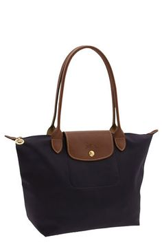 Long Champ Le Pliage in Navy Blue. Want this sooo bad would use as school