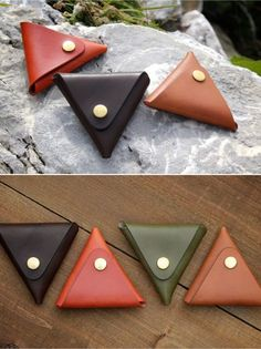 Hand crafted leather goods by Duram Factory. Discover leather wallets, bags and small leather goods made from quality vegetable tan leather. Leather Clutch Bags, Leather Purses, Leather Wallet, Diy Bags Tutorial, Coin Wallet, Small Leather Goods, Leather Accessories, Leather Working, Leather Craft