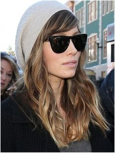 Jessica biel--LOVE the hat and glasses