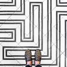 75008 - Rue du Surene  Upcoming thursday and sunday it will be the last chance the win a print. I have 2 left which will I give away this weekend!  . #parisianfloors#paris#ihavethisthingwithfloors#ihavethisthingwithtiles#fromwhereistand#selfeet#tiles#floor#design#pattern#interiordesign#architecture#carreauxdeciment#carrelage#monochrome#gucci#shoes