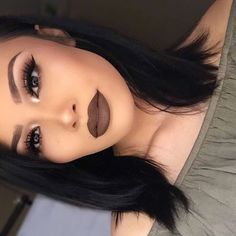 her lip color is so pretty for a dark look Pinterest: ashleycosola Instagram: ashley.mar