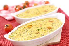 Lunchschotel met asperge en tomaat