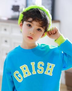 Some new pics 😉 I like colors of clothes 💚💙 ᅠ Photographer: Brand: Big Star. Cute Asian Babies, Korean Babies, Asian Kids, Cute Babies, Cute Little Boys, Cute Baby Boy, Little Babies, Cute Boys, Baby Girl Images