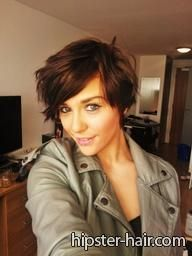 short brown hair...if I could rock this I would...