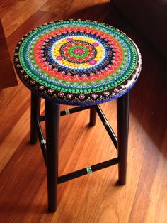 Funky Painted Furniture, Decoupage Furniture, Paint Furniture, Upcycled Furniture, Furniture Projects, Furniture Makeover, Painted Stools, Dot Art Painting, Decoration