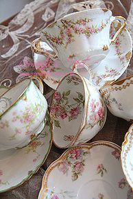 Reminds me of my grandma Lucille. I still have my tea set Vintage Dishes, Vintage China, Vintage Teacups, Antique China, Café Chocolate, In China, China Sets, Teapots And Cups, China Tea Cups