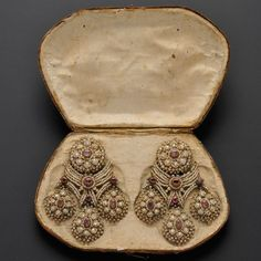 Ruby Earrings Fine and Rare Pair of Antique Seed Pearl and Ruby Girandole Earpendants, Southern Italy, century, with bezel-set Royal Jewelry, India Jewelry, Crystal Jewelry, Pearl Jewelry, Gold Jewelry, Garnet Jewelry, Jewelry Box, Antique Earrings, Antique Jewelry