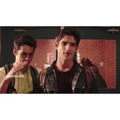 "Watch attractive celebs's Vine ""Tyler Posey x Dylan O'Brien"""