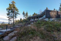 Moderni puuhuvila    Modern wooden housing    www.honkatalot.fi