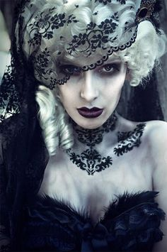 Alluring and ghostly Victorian makeup inspiration.