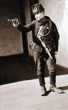Kurtuluş Savaşının Çocuk Askerleri. 1921. Asker Cemal.