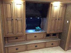 2013 Used Newmar Dutch Star 4318 Class A in South Dakota SD.Recreational Vehicle, rv, 2013 Newmar Dutch Star 4318 Full Wall Triple Slide Class A - Diesel 34,600 miles, 450hp Cummins, Freightliner Tag Axle Chassis, 10 Kw Onan Generator on Slide, Six House Batteries w/2,800 watt pure sign wave inverter, Dash Radio with Touch Screen Navigation System, Sirius Satellite Radio, Two Winegard RTT-40B in Motion SAT Domes and Dish Network receivers w/DVR's, Two Blue Ray DVD Players, Tire Safeguard…