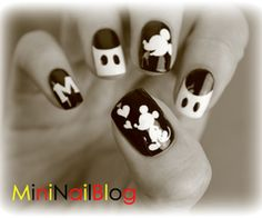 mickey-mouse-nail-art-3.jpg