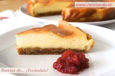 Receta de la tarta de queso al horno. Un postre delicioso e irresistible, con intenso sabor a queso y tu mermelada preferida. Muy fácil, de escándalo!