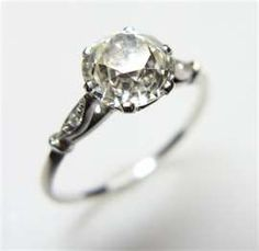 Another vintage wedding ring, if this was in yellow gold it would be my perfect ring!