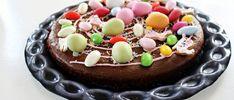 Erlemors påskebrownies – Grys kjøkkenskriverier Pudding Desserts, Birthday Cake, Baking, Food, Brownies, Cake Brownies, Birthday Cakes, Custard Desserts, Bakken