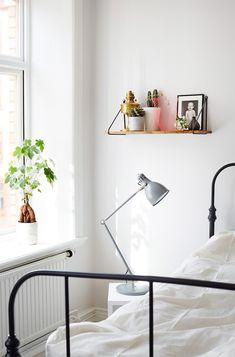 Light filled bedroom | Photographed by Sara Landstedt.