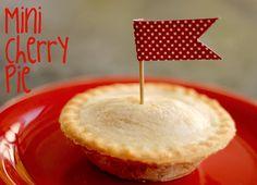 Mini cherry pie  (http://domesticateddelight.blogspot.com/)